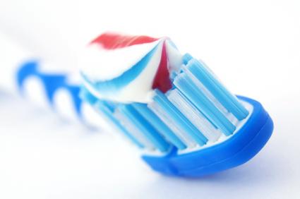 Mundpflege gegen Zahnhalskaries