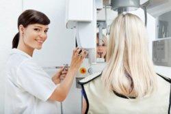 Bei Angst vor dem Zahnarzt kann sich auch ein Zahnarztwechsel empfehlen.