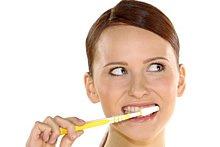 Prophylaxe hilft dabei, Karies, Parodontose und viele weitere Erkrankungen zu verhindern.