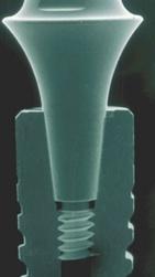 Um zu vermeiden, dass Implantate schmerzen, wird bei modernen Implantatsystemen großer Wert auf die Dichtigkeit gelegt.