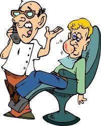 Besonders bei Wurzelentzündungen treten sehr unvermittelt starke Zahnschmerzen auf, die schwer zu ertragen sind. Suchen Sie Ihren Berliner Notzahnarzt auf!