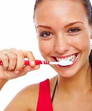 Eine besonders gute Mundhygiene und regelmäßige Prophylaxe ist bei vermindertem Speichelfluß dringend notwendig, um die Entwicklung von Karies zu verhindern.
