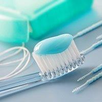 Mit der richtigen Putztechnik, Zahnbürste und Zahnpasta Zahnschäden vorbeugen