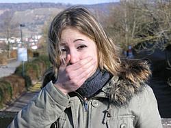 Sprachfehler tauchen immer wieder bei Kindern und Erwachsenen auf und können verschiedene Ursachen haben.