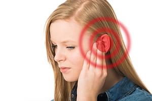 Die Ohrgeräusche können bei Patienten variieren. Während einige ein Klingeln hören, ist es bei anderen eher ein Summen oder Zischen.