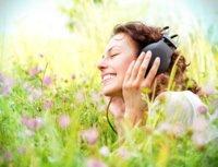 Durch eine angenehme Geräuschkulisse via Kopfhörer vermindert werden.