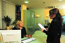Ob Ihr Krankenversicherer einen HKP vor der Zahnbehandlung verlangt, hängt vom abgeschlossenen Versicherungstarif ab.