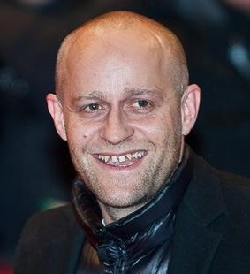 Schiefe Zähne erlangten durch Jürgen Vogel Berühmtheit dank seines hinreißenden Lächelns