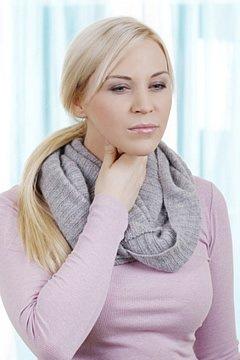 Bei starken Erkältungen können sich die Schmerzen von gereizten Nerven bis in die Zähne fortziehen.