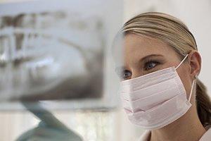 Vor Zahnentfernung- OPG für präoperative Diagnostik