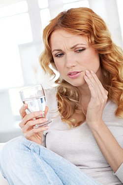 Um Zahnkrankheiten zu verhindern, wird heute der Fokus besonders auf die Prophylaxe gelegt. Wir zeigen Ihnen, welche Zahnkrankheiten häufig vorkommen und wie sie zu vermeiden sind.