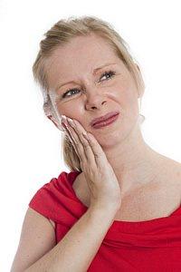 Am Anfang sind die Zahnschmerzen gering