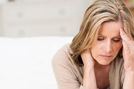 Als Hauptauslöser für das nächtliche Knirschen mit den Zähnen gilt Stress.