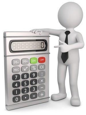 Der Zahnarzt kalkuliert die zu erwartenden Kosten zur Vorlage beim Krankenversicherer.